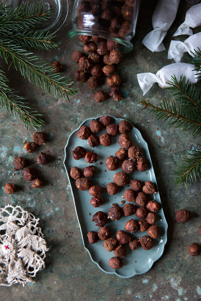 Gingerbread spiced hazelnuts :: Sonja Dahlgren/Dagmar's Kitchen
