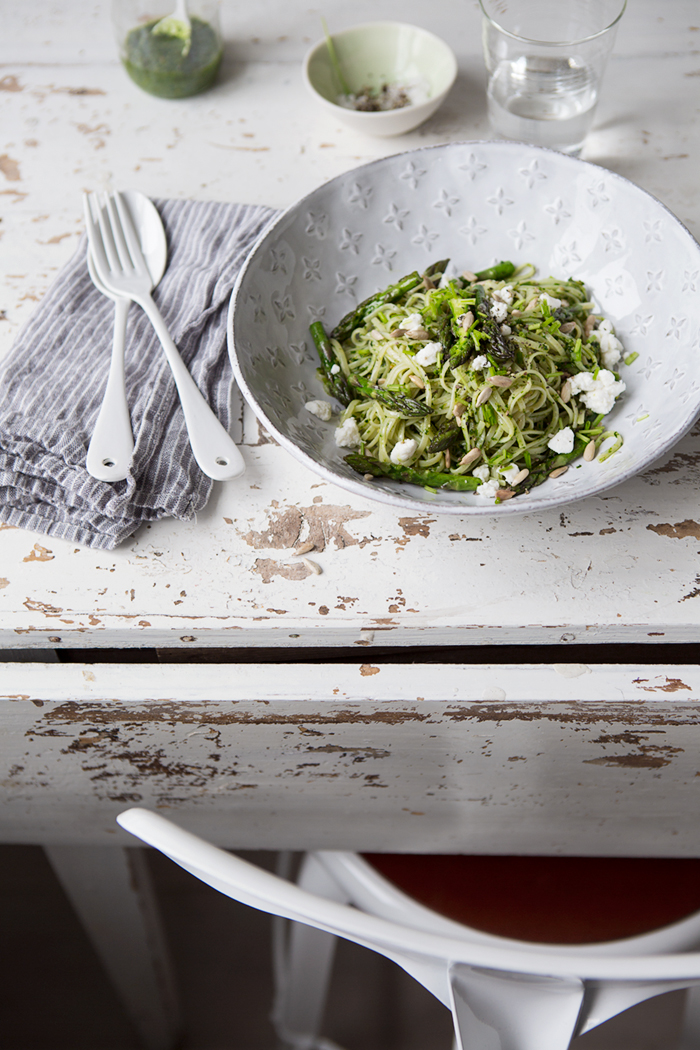 Brown rice noodles with wild garlic pesto, asparagus and soft goats cheese :: Sonja Dahlgren/Dagmar's Kitchen